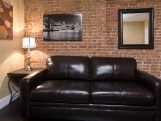 Sleeps 5! 2 Bed/1 Bath Apartment, East 25th Midtown, Awesome! (8360)