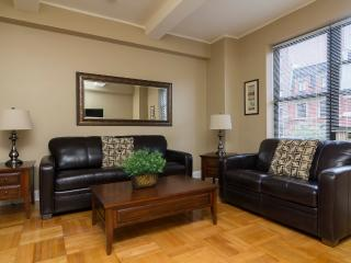 Sleeps 4! 2 Bed/1 Bath Apartment, SoHo - Village, Awesome! (8393)