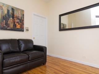 Sleeps 6! 2 Bed/1 Bath Apartment, Upper East Side, Awesome! (8511)
