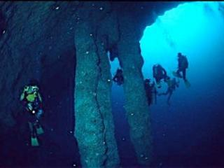 Discovering unique stalactites, underwater at the Great Blue Hole, on the divers' 'bucket List'