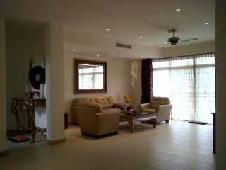 Entire home- at SHERATON / BLUE LAGOON Huahin, Hua Hin