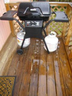 Propane Grill with reserve tank