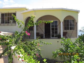 Private 2 bed Hill Top Villa to rent rural Jamaica, Santa Cruz