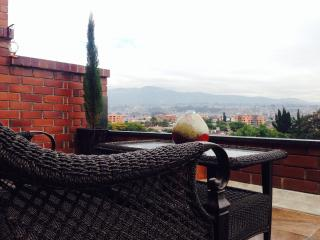 Beautiful Apartment with Stunning Terrace View, Cuenca