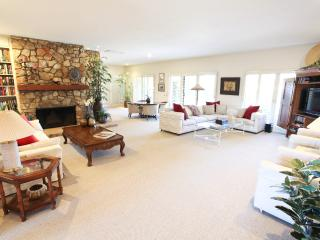 Luxurious 3BR Desert Home w/ Indoor Private Pool, Borrego Springs