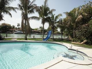 Waterfront House - Best Location -