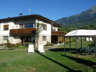 Villatrecariole con piscina vista lago e monti, Colico