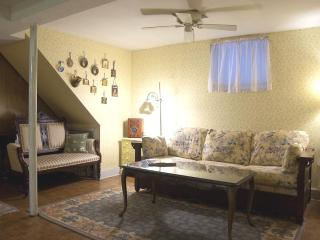 Fully Furnished 1.5 BR Spacious Lincoln Park Apt!, Chicago