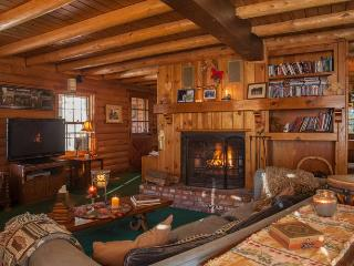 Log Haven Cabin Mountain Retreat, Pine Mountain Club