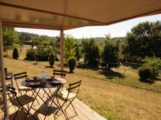 Eco-lodge for families and couples in rural France, La Chapelle-aux-Brocs