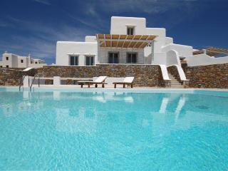 Elegant & Comfortable Summer Villa, Kalafatis