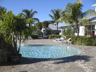 New! Golf & Swim Resort Condo - Naples/Lely Resort, Napoli