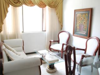 Lovely Modern 2 bedroom in the sky, with pool., Medellin