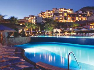 Pueblo Bonito Resort at Sunset Beach: Junior Suite, Sleep 4, with Kitchenette