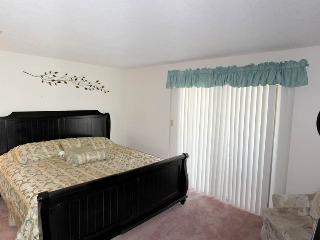 1413 - 1 Bed 1 Bath Deluxe