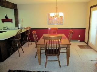 16 Blue Heron~3 Bedroom~2 Bath~Sleeps 10-12, Lago Harmony