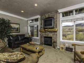 Snowbasin South View Huntsville Condo | Luxury 3 Bedroom | Lakeside Unit 23
