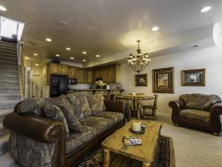 Snowbasin View | Luxury 1 Bedroom | Lakeside Unit 33A, Huntsville