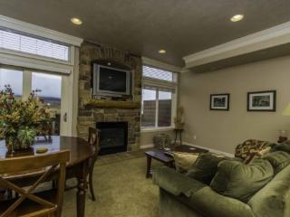 Snowbasin View Huntsville Condo | Luxury 2 Bedroom | Lakeside Unit 40