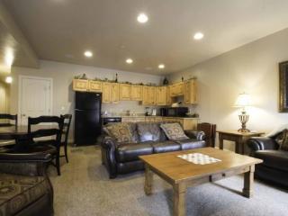 Snowbasin View Huntsville Condo | Luxury 2 Bedroom | Lakeside 44B