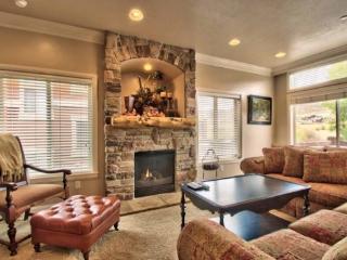 Snowbasin View Huntsville Condo | Luxury 4 Bedroom | Lakeside Unit 48