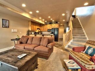 Snowbasin View Huntsville Condo | Luxury 2 Bedroom | Lakeside Unit 52