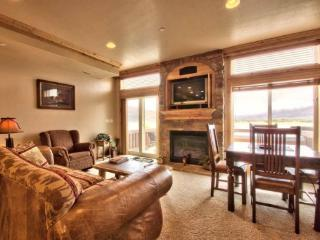 Lake Front Huntsville Condo | Luxury 2 Bedroom | Lakeside Unit 56