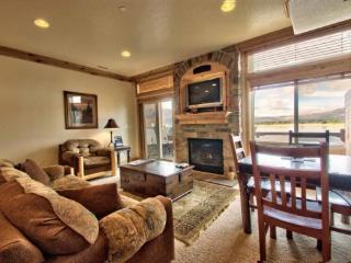 Lake Front Huntsville Condo | Luxury 2 Bedroom | Lakeside Unit 63