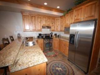 Lakefront Huntsville Condo | Luxury 1 Bedroom | Lakeside Unit 57A