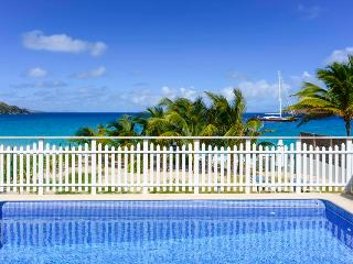True Beachfront Location, Ideal for Families, Pool & Beautiful Gardens, St. Barthelemy