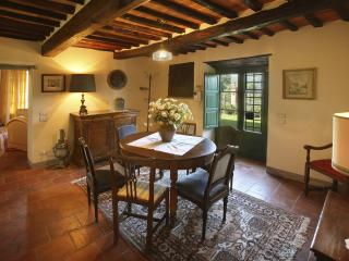 Beautiful Hilltop Villa in Tuscany with Spectacular Views - Villa Alessandro, Monsummano Terme