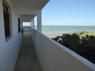 Lovely Beachfront Home In Chubihua Yucatan