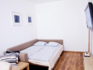Apartment4you Garbary 3, Poznan