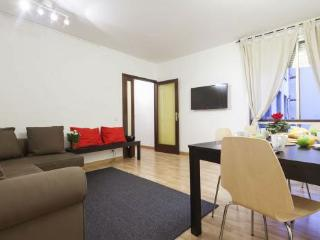 "4 bedroom right in heart of Barcelona""s city centre. Family friendly home"