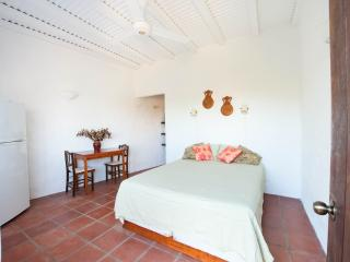 Cabina Blanca - Cozy & Secluded, Playa Conchal