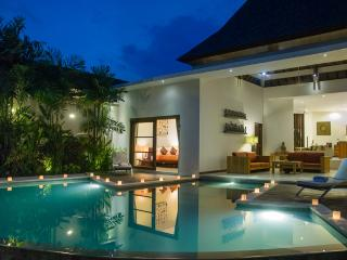 VILLA SULIAC, 3 Bed, 3 Bath, Great Pool, Central Legian, Super Value