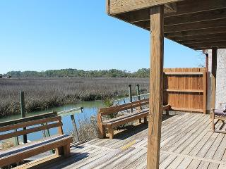 3 Marsh Creek Cove - Floating Dock on Horsepen Creek - Beautiful Salt Marsh Vistas - FREE Wi-Fi, Isla de Tybee