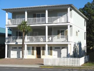 612 Butler Avenue - A Modern Tybee Beach House that Has It All - FREE WiFi