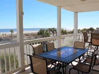 Dolphin Watch Condominiums - Unit 8 - Ocean Front - FREE Wi-Fi, Tybee Island