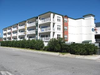 Gull Reef Club Condominiums - Unit 633 - Swimming Pools - Easy Beach Access - Restaurant - FREE Wi-Fi, Isla de Tybee