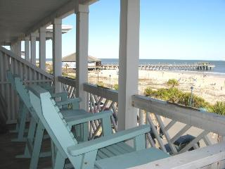 South Beach Ocean Condos - East - Unit 9 - Panoramic Oceanfront Views of Tybee Beach - Small Dog Friendly - FREE Wi-Fi, Tybee Island