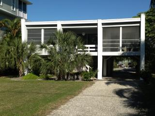 Mod beach house on Little Hickory Island