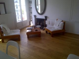 Paris Bastille / Apartment in historical area.