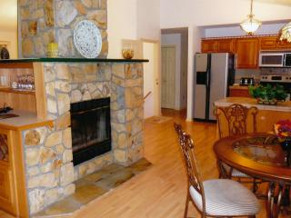 3,500 sq. ft. - 3 1/2 Bath - Near Ski Resort, Maggie Valley