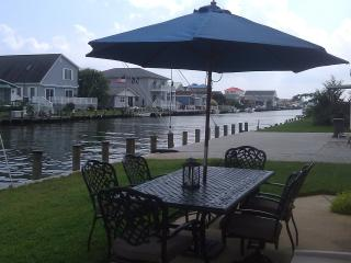 Fenwick Island Waterfront 3BR Home, Bay access, Selbyville
