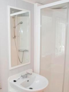 Example of Platinum shower room