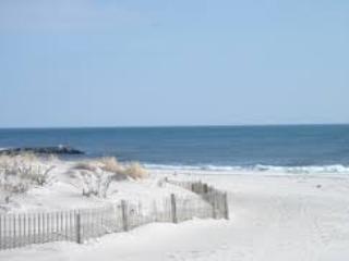 Tropical Beach & Golf  Home 50 Minutes From NYC, Long Beach