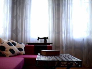 Eclectic Apartment - Deluxe