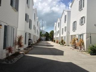 Townhome near Seven Mile Bridge, Marathon