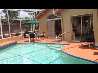Private, Solar Heated, Screened in Pool Exclusively for You and Your Guests., Orlando